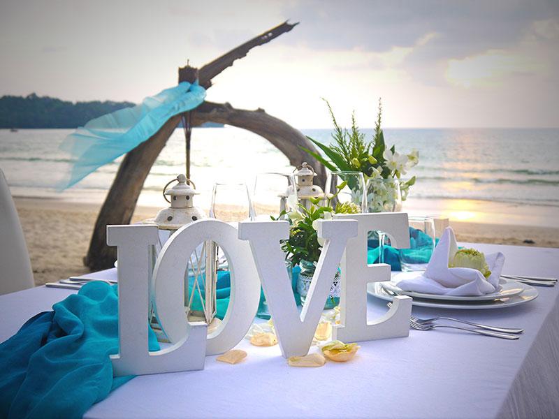 Blog Dinner On The Beach Phuket Wedding Planner Anniversary